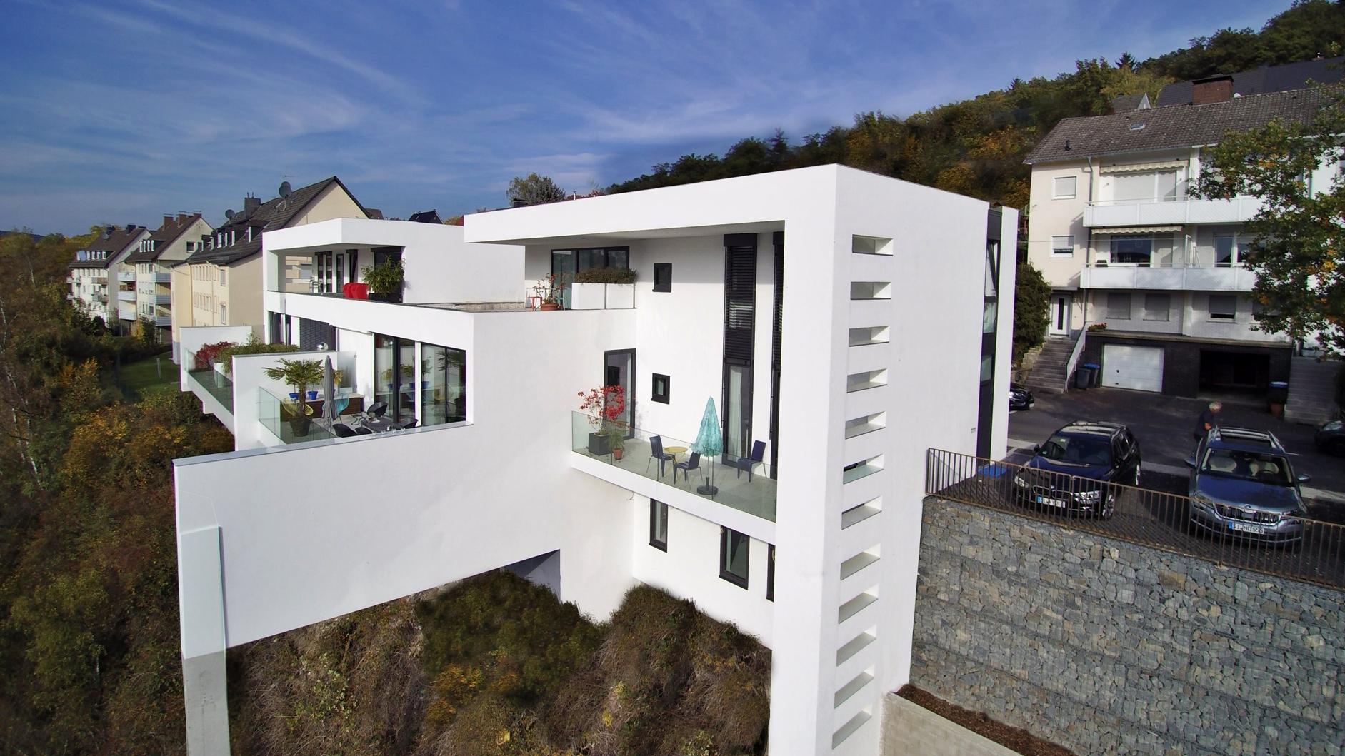 Flick Treuconsult – Exklusives Doppelhaus3