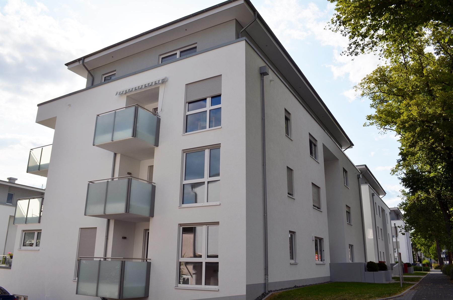 Flick Treuconsult – Wohnen und leben in Kreuztals grüner Mitte-Straßenansicht1