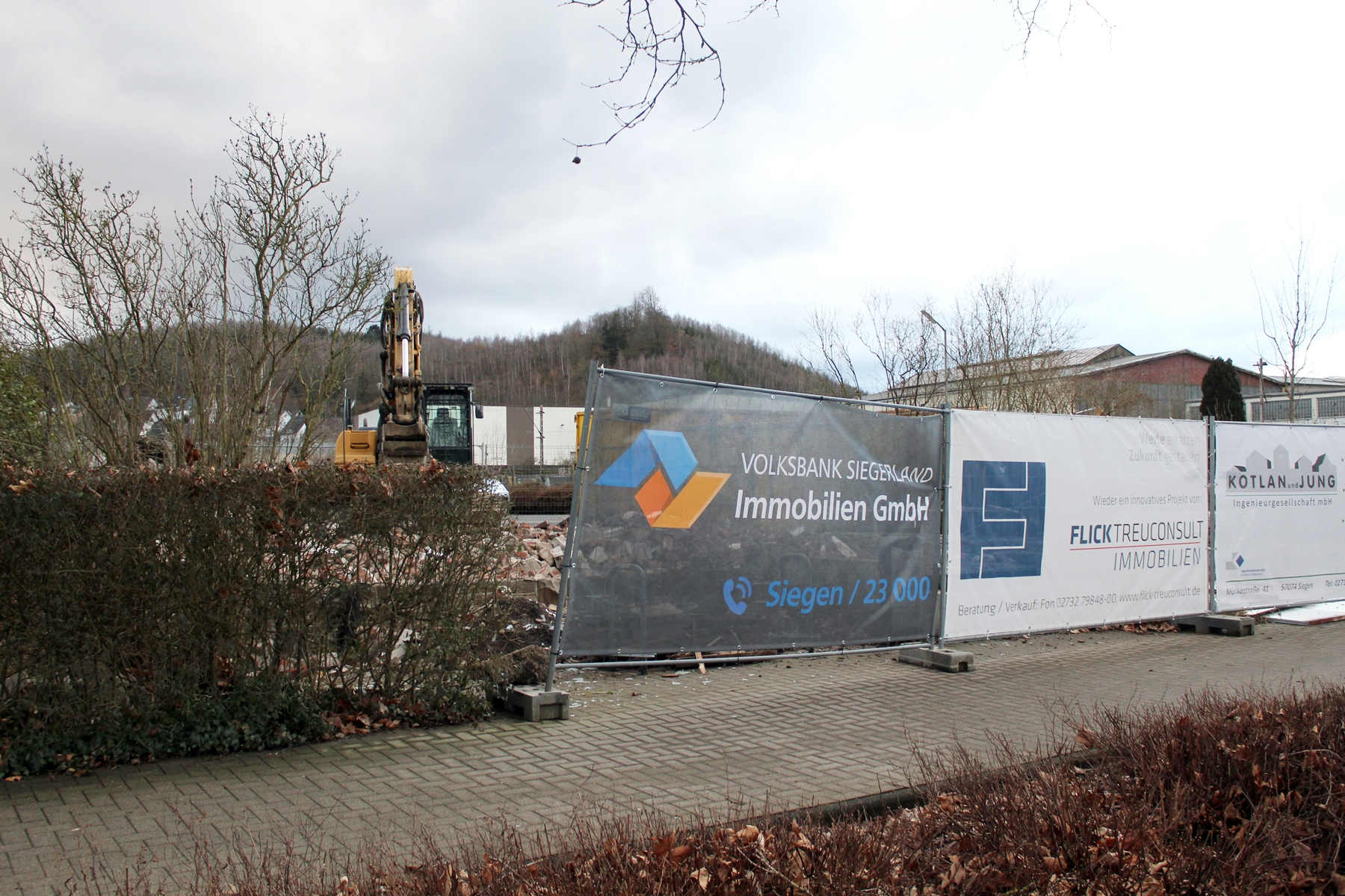 You are currently viewing Einst Brachfläche, jetzt Filetstück – Altbau weicht modernem Gebäudekomplex